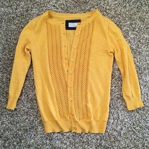🌼 Bright mustard yellow cardigan